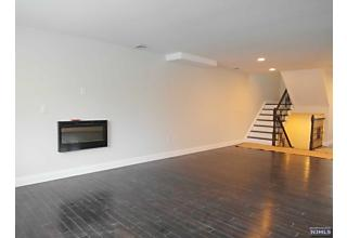 Photo of 313a Highland Avenue Palisades Park, NJ