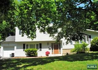 Photo of 13 Taylor Drive Closter, NJ