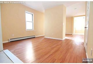 Photo of 32 Maple Avenue Irvington, NJ
