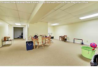 Photo of 15 Cobbler Lane Mahwah, NJ
