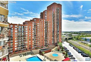 Photo of 1327 Harmon Cove Tower Secaucus, NJ