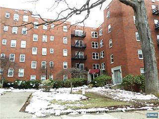 Photo of 2340 Linwood Avenue Fort Lee, NJ