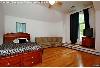 Photo of 18 Maplewood Road Closter, NJ
