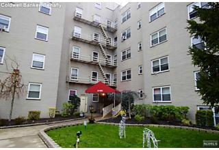 Photo of 2195 North Central Road Fort Lee, NJ