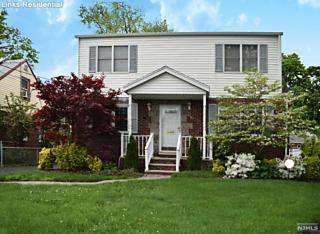Photo of 38 Frederick Place Bergenfield, NJ