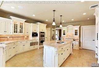 Photo of 252 Mulberry Way Franklin Lakes, NJ