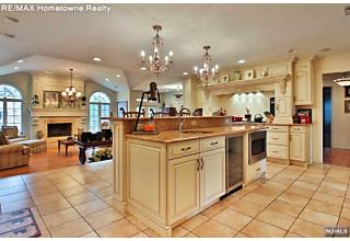 Photo of 712 Cottonwood Drive Franklin Lakes, NJ