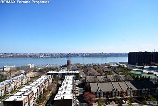 Photo of 900 Palisade Avenue Fort Lee, NJ