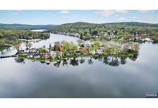 Photo of 20 Lenape Trail Denville Township, NJ
