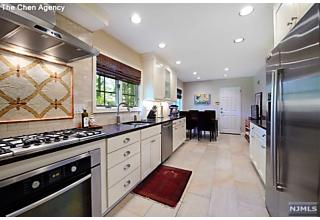 Photo of 7 Ernst Place Tenafly, NJ