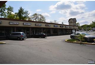 Photo of 574 Newark Pompton Turnpike Pequannock Township, NJ