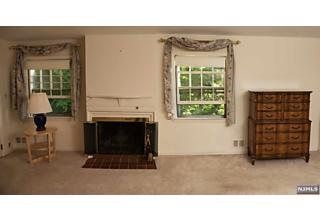 Photo of 561 Summit Avenue Oradell, NJ