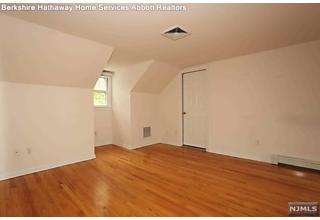 Photo of 53 Degray Terrace Mahwah, NJ