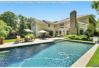 Photo of 125 Melrose Place Ridgewood, NJ