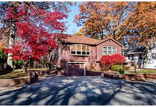 Photo of 42 Rollins Trl Hopatcong, NJ 07843