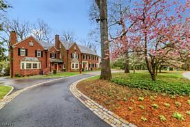 Photo of 50 Woodfield Dr Short Hills, NJ 07078
