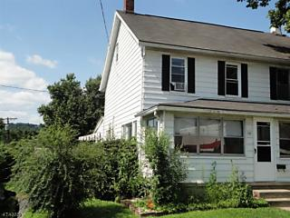 Photo of 131 Park Ave Lopatcong, NJ 08865