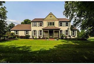 Photo of 6 Green Farm Ln Delaware Twp, NJ 08559
