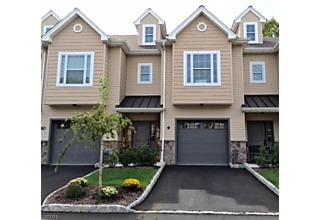 Photo of 13 North Ridge Circle East Hanover, NJ 07936