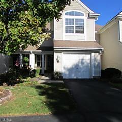 Photo of 410 Homestead Ct Lopatcong, NJ 08886