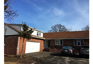 Photo of 983 Riverview Dr N Totowa Boro, NJ 07512