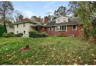 Photo of 40 Old Indian Rd West Orange, NJ 07052