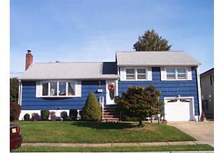 Photo of 28 E Oak St Carteret, NJ 07008