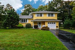 Photo of 5 Biernacki Ct East Brunswick, NJ 08816