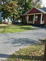 Photo of 133 W Warren St South Bound Brook, NJ 08880