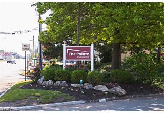 Photo of 302 Greenbriar Dr, 4 Union, NJ 07083