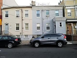 Photo of 174 Pacific St Newark, NJ 07105