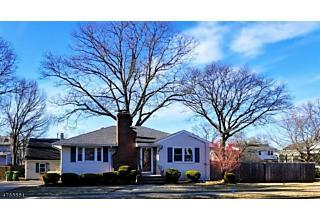 Photo of 33 Roosevelt Blvd Sayreville, NJ 08859