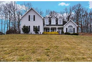 Photo of 17 Stonehedge Ln Byram Township, NJ 07821
