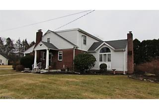 Photo of 695 Belvidere Rd Lopatcong, NJ 08865