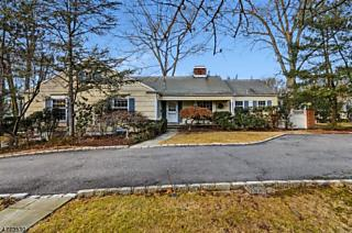 Photo of 267 Long Hill Dr Short Hills, NJ 07078