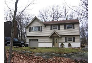 Photo of 29 Columbia Trl Hopatcong, NJ 07843