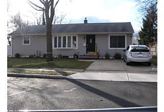Photo of 33 Burnham Rd East Brunswick, NJ 08816