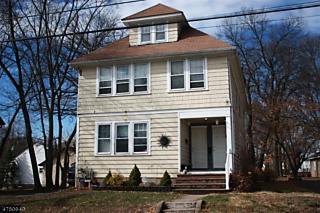 Photo of 49 Pierce Ave Midland Park, NJ 07432