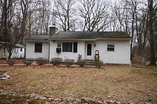 Photo of 33 Lone Pine Trl Hampton Township, NJ 07860