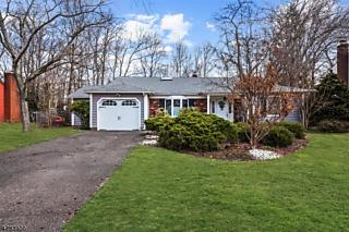 Photo of 57 Oakey Dr Kendall Park, NJ 08824