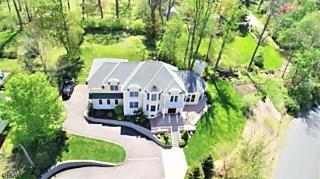 Photo of 213 Long View Ter Long Hill Twp, NJ 07933