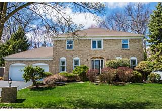 Photo of 30 Silver Spring Ct East Hanover, NJ 07936