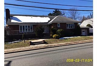 Photo of 891 Banta Pl Ridgefield, NJ 07657