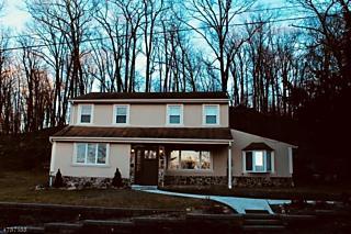 Photo of 121 Glenside Trl Byram Twp., NJ 07871
