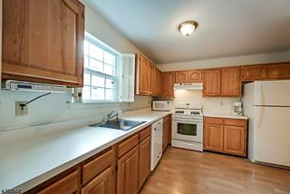 Photo of 154 Vista Dr Cedar Knolls, NJ 07927