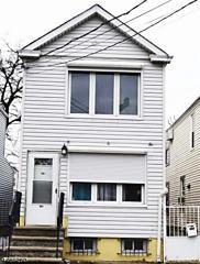 Photo of 88 1/2 Komorn St Newark, NJ 07105