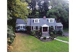 Photo of 10 Brantwood Ter Short Hills, NJ 07078