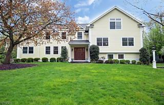 Photo of 50 Rolling Hill Dr Chatham Twp., NJ 07928
