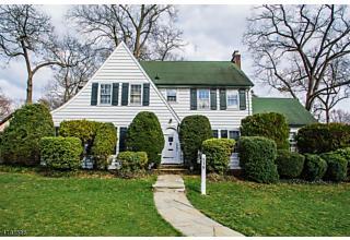 Photo of 339 Carlton Ter Ridgewood, NJ 07450