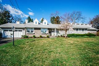 Photo of 8-17 Norma Ave, 1x Fair Lawn, NJ 07410